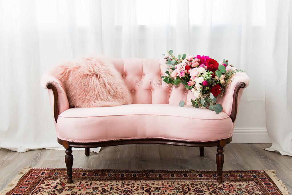 Tufted blush pink silk setee sofa - Stardust